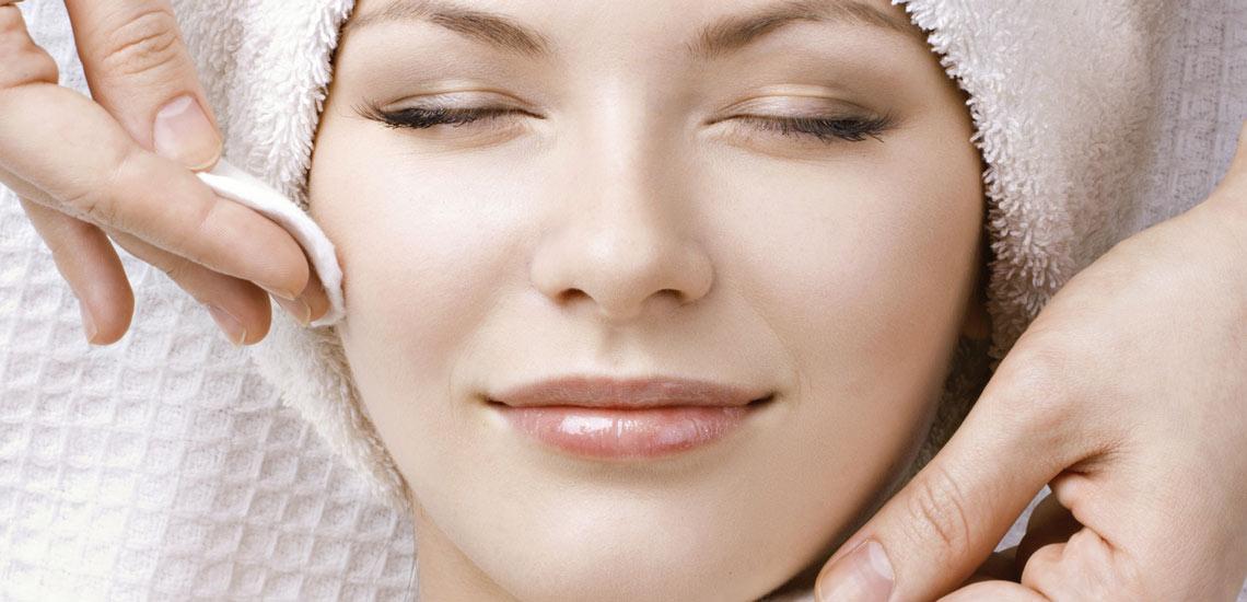 بعد از آرایش با این مواد طبیعی صورت خود را پاکسازی کنید!