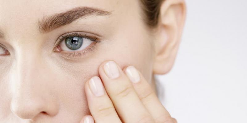 ۶ روش برای مراقبت از پوست دور چشم