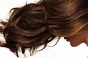 علل احتمالی ریزش موی خانم ها