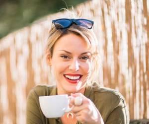 ۱۰ مواد غذایی مضر که پوست را زشت و پیر می کند