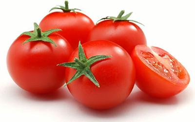 گوجه برای درمان تبخال