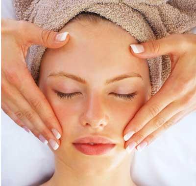 خوابیدن با آرایش و بلاهایی که سر پوستتان می آورد