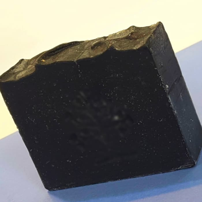 فایده مهم صابون زغال فعال برای زیبایی پوست